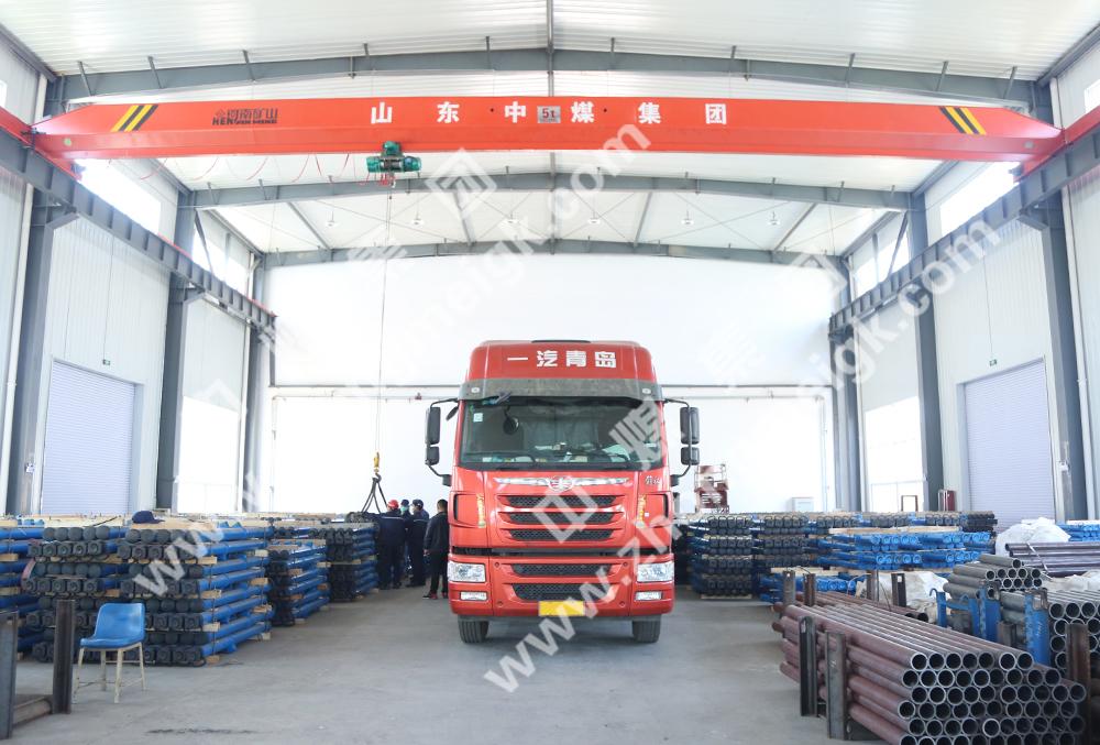 中煤集团一批矿用单体液压支柱发往陕西桐城